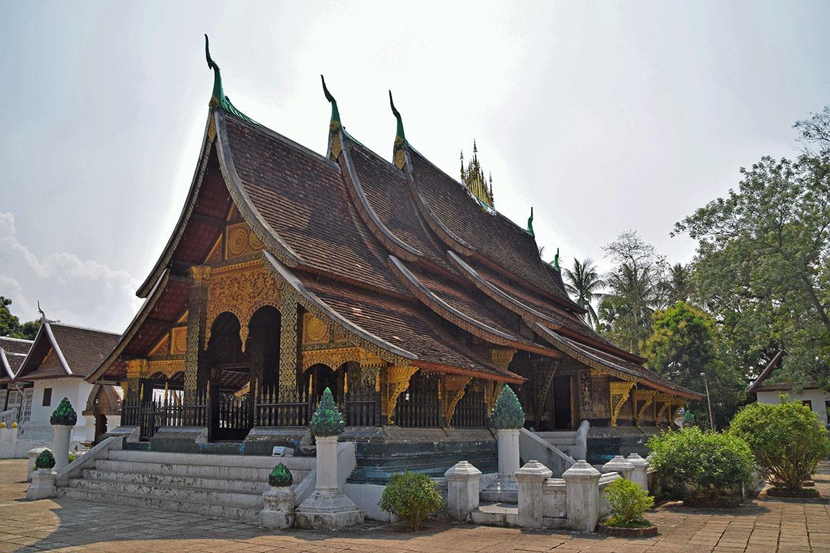 In Laos zijn vele tempels, zoals hier in Luang Prabang.