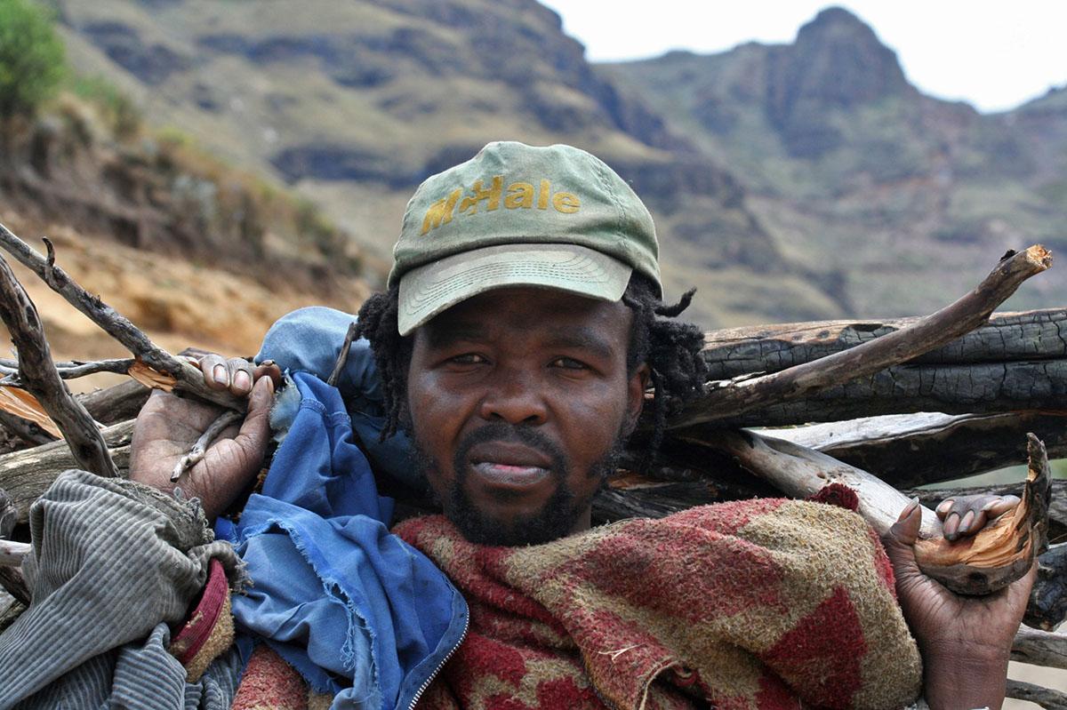 Hout sprokkelaar in Lesotho