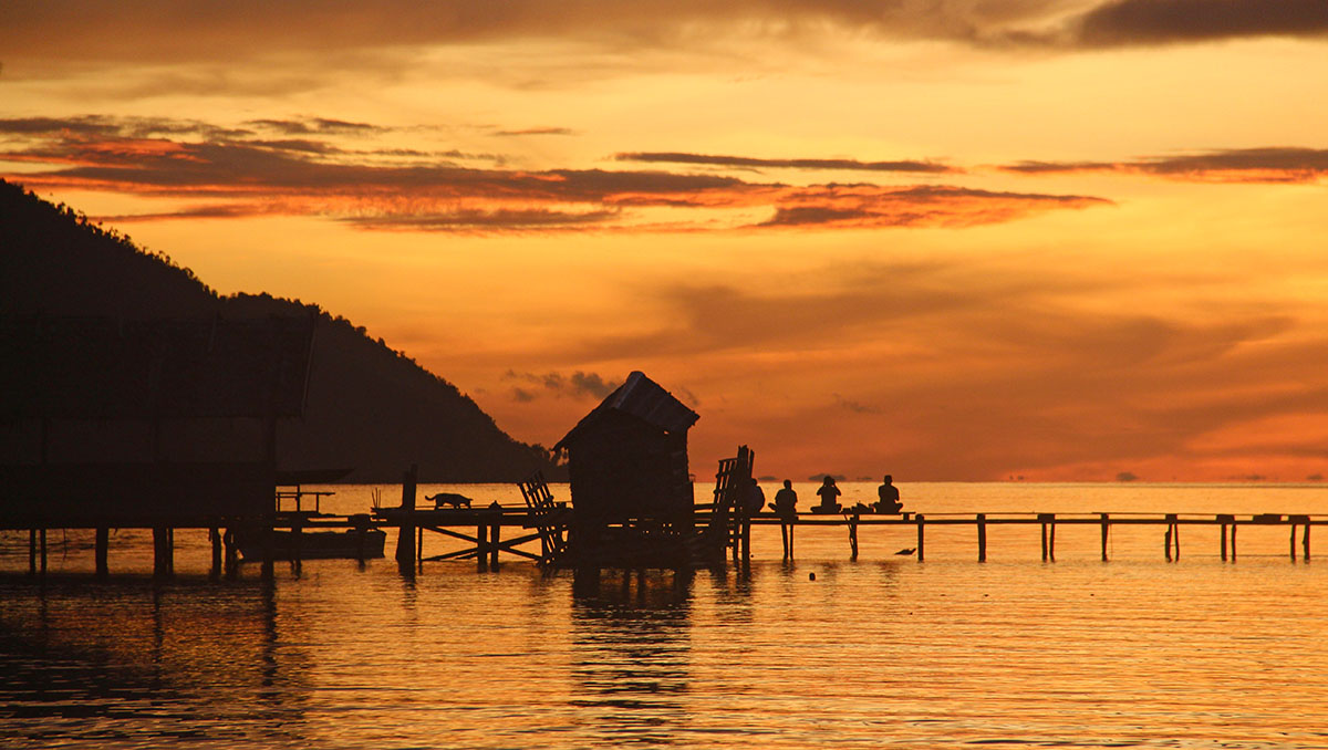 Zonsondergang op West-Papoea