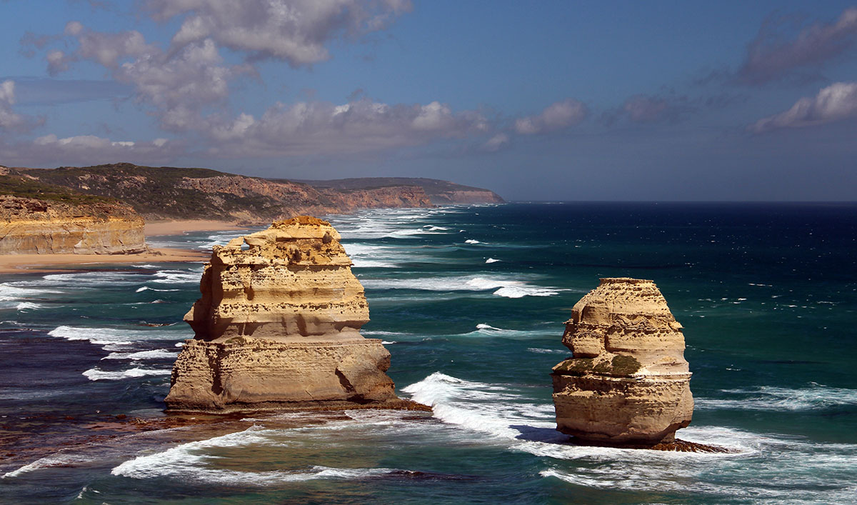 Rotsen in zee bij de Great Ocean Road, Australië