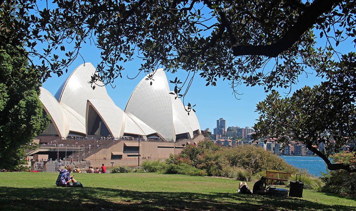 Park in Sydney met uitzicht op Opera House