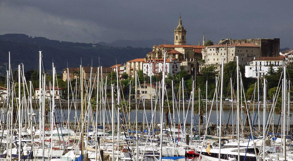Jachthaven in Hondarribia in Spaans Baskenland