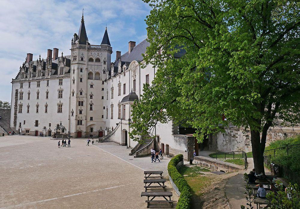 Binnenplein van het chateau des ducs de Bretagne in Nantes