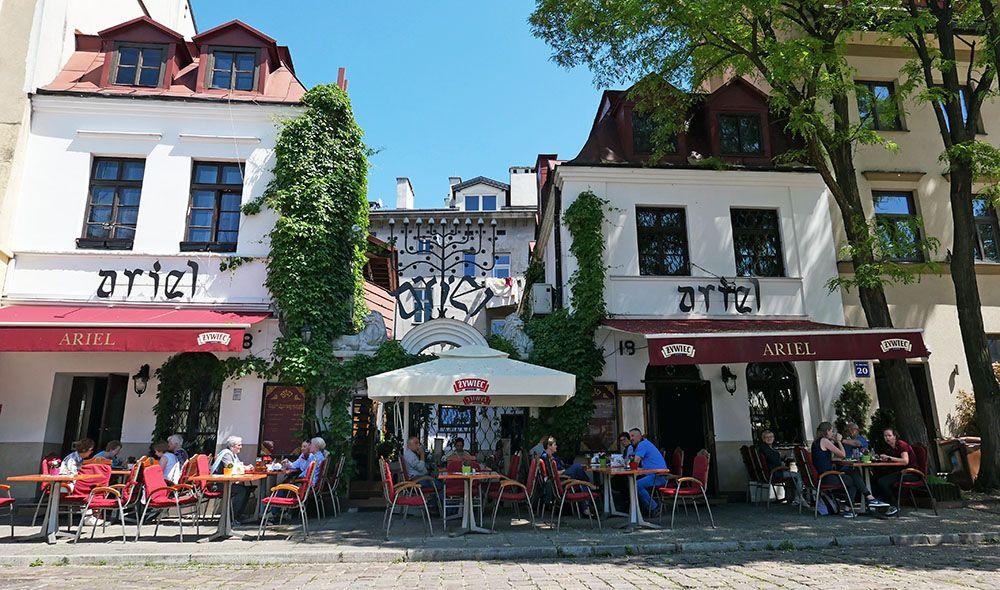 Terras in de voormalig Joodse wijk in Krakau