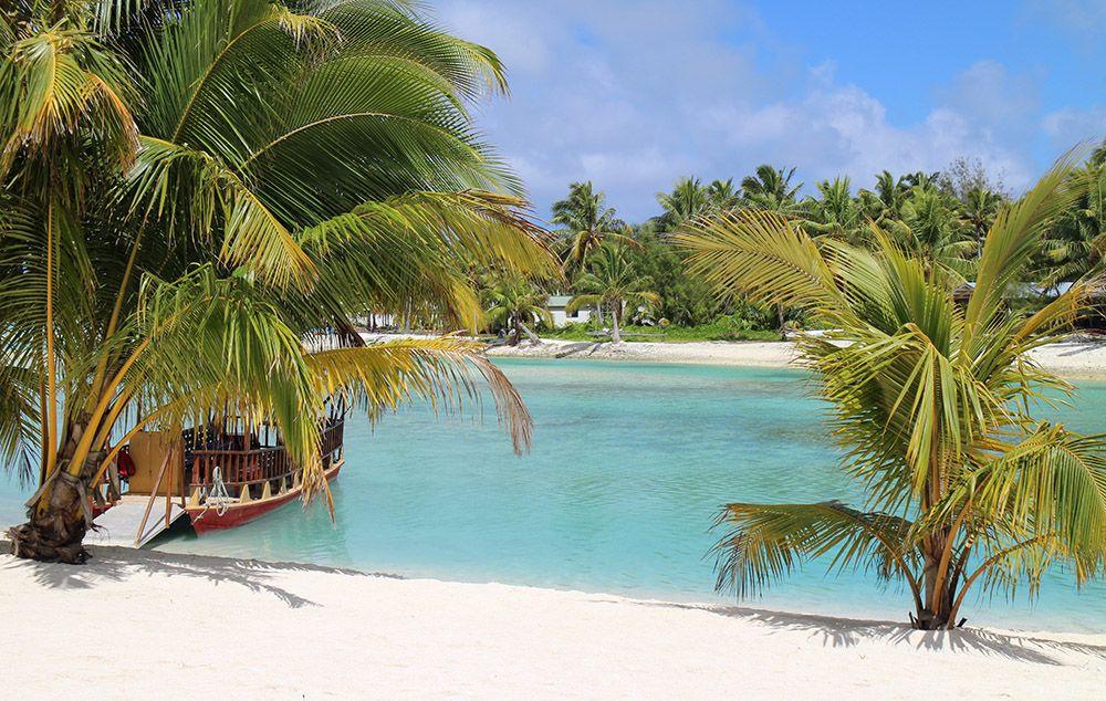 Strand ergens op Aitutaki, Cookeilanden
