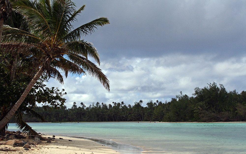 palmenstrand op Rarotonga, Cookeilanden