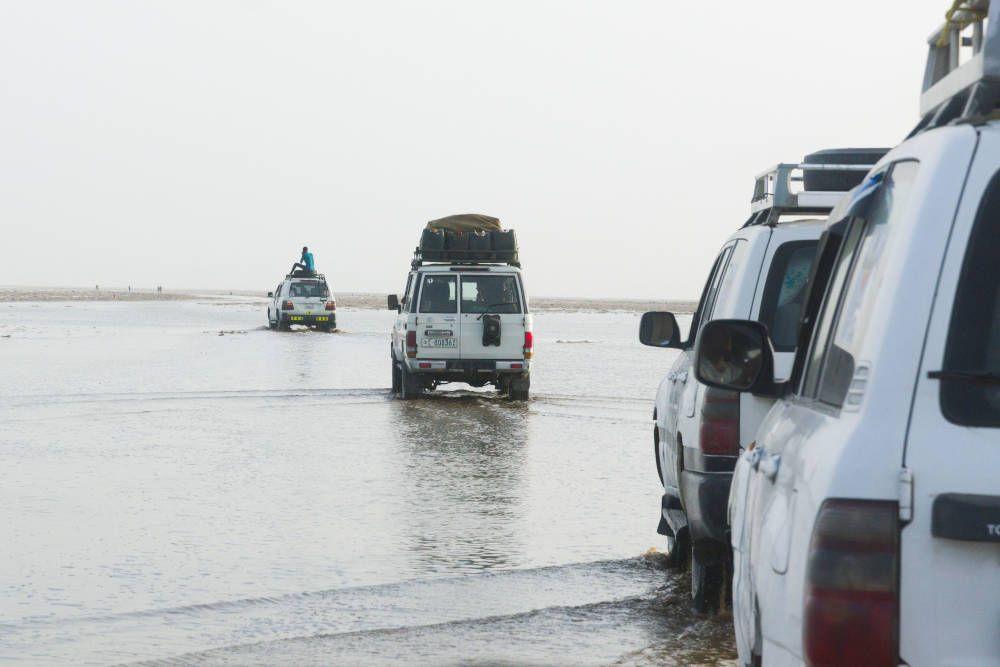 Jeeps bij Danakil, Ethiopië