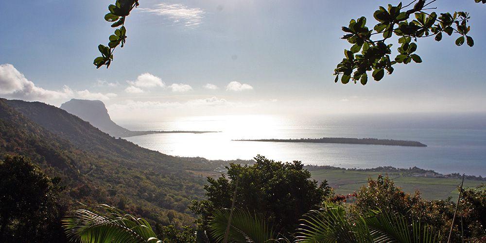 Uitzicht op de kustlijn van Mauritius