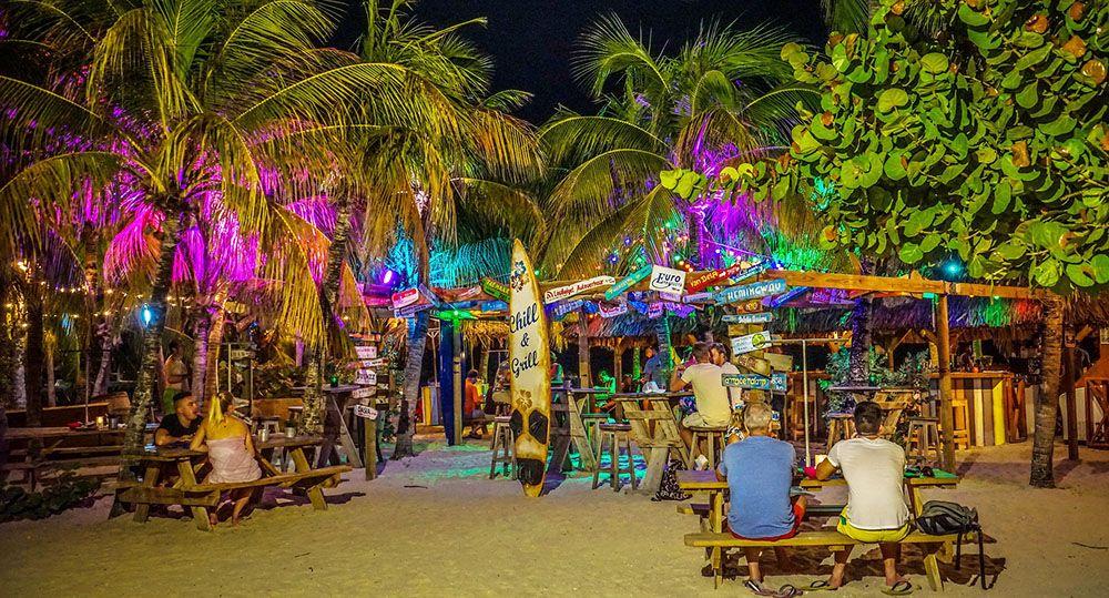 beach bar op Curaçao