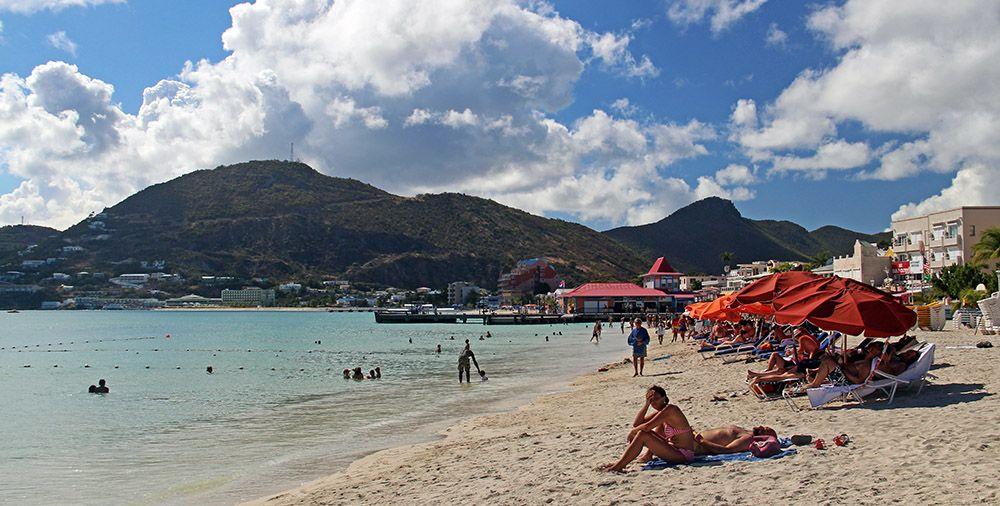 Strand van Great Bay op Sint Maarten