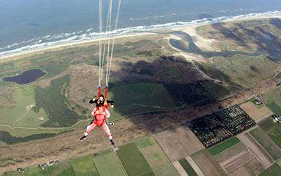 Parachutesprong boven Texel