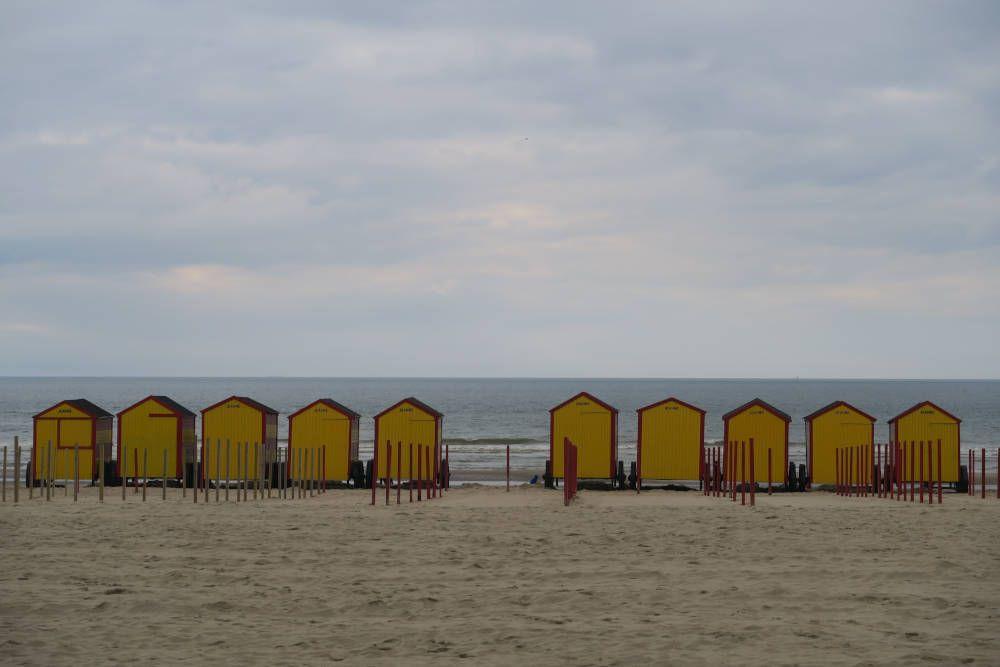 Strandhuisjes aan de kust van België