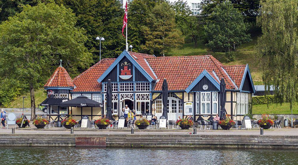 Kiosk aan het water in Silkeborg