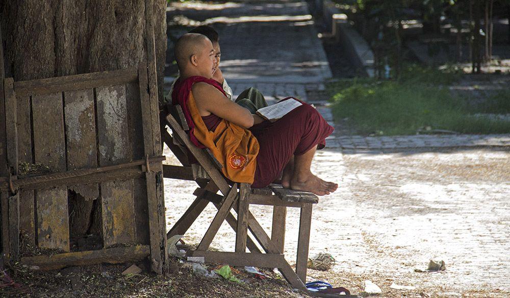 jongelui in Mandalay
