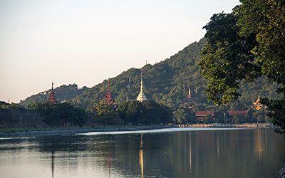 Fietsen door Boeddhistisch Mandalay