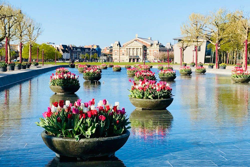 Museumplein te Amsterdam
