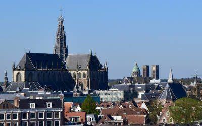 De hoogtepunten van Haarlem tijdens een rustige voorjaarsochtend