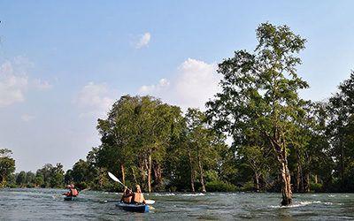 Kayakken bij Kratie, op zoek naar de dolfijn