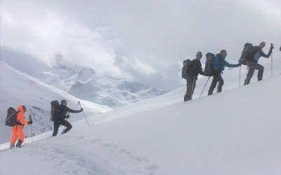 Bergwandeltocht op sneeuwschoenen