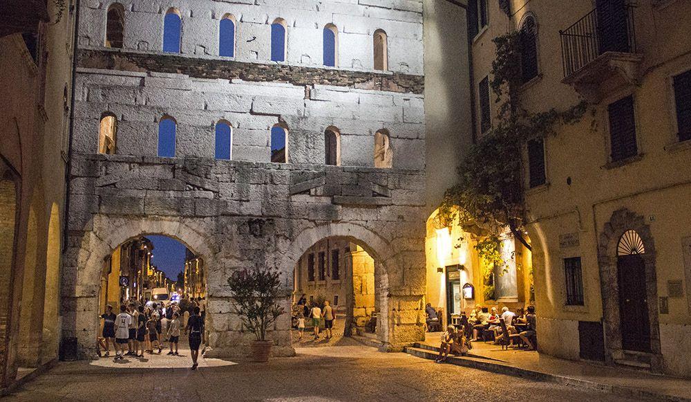 Porta Borsari, Verona, Italië