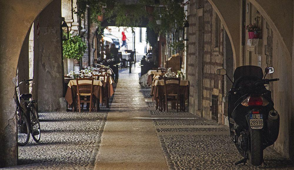 Overdekt terras in Verona, Italië