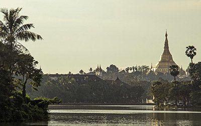 De Shwedagon Paya in Yangon