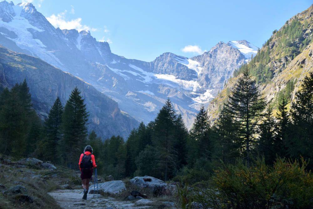Wandelaar in het Aostadal
