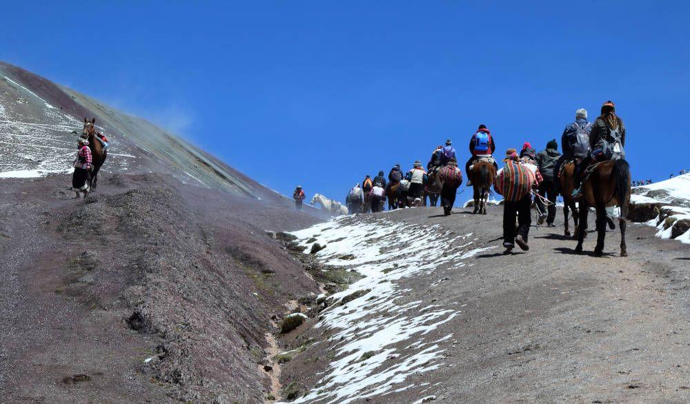 Sherpa en vervoer in de bergen