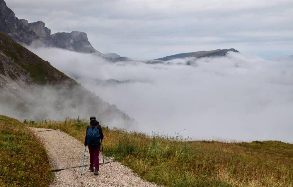 Draag in de bergen de juiste kleding als je gaat wandelen