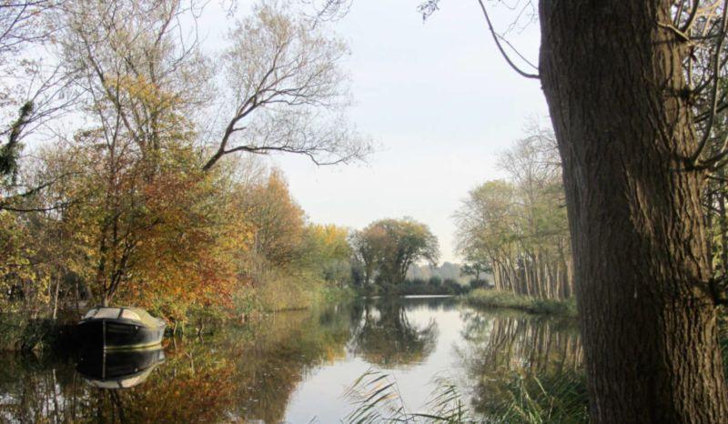 Het riviertje het Gein verbindt Driemond met Abcoude