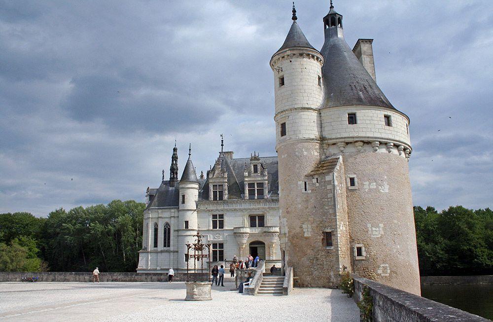 Kasteel direct liggend aan de Loire.