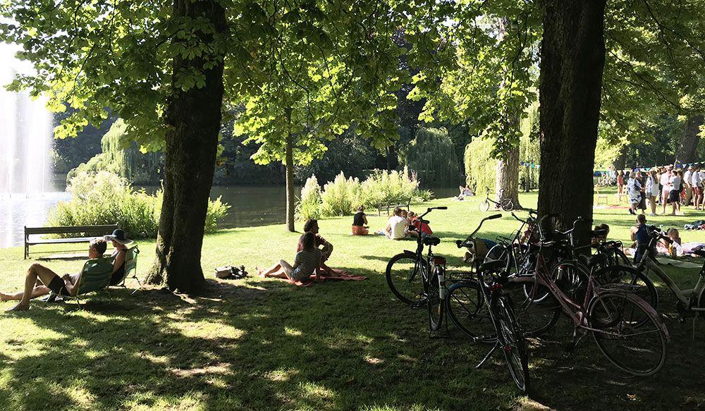 Relaxen in het Wilhelminapark