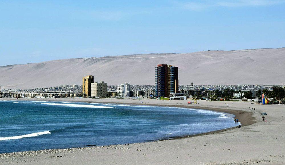De vele stranden bij Arica in Chili zijn populair.