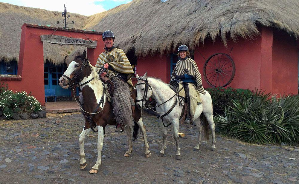 Te paard vanaf Hacienda El Porvenir naar de Cotopaxi vulkaan.