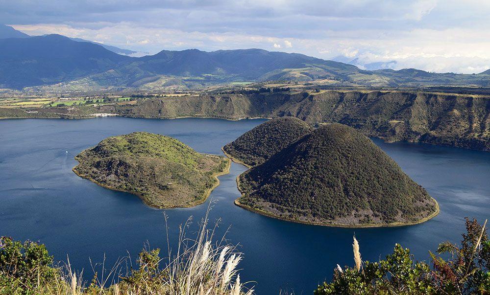 Laguna de Cuicocha in de buurt van Otavalo