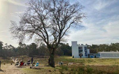 Wandeling bij Hilversum vanaf landgoed Zonnestraal over de heide