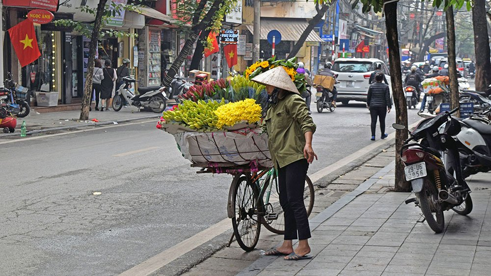Straatverkoopster in Hanoi
